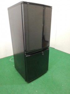 IMG_20200118_165414-225x300 パーテーション、冷蔵庫入荷しました。